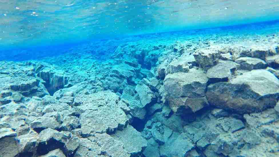 snorkeling silfra fissure iceland