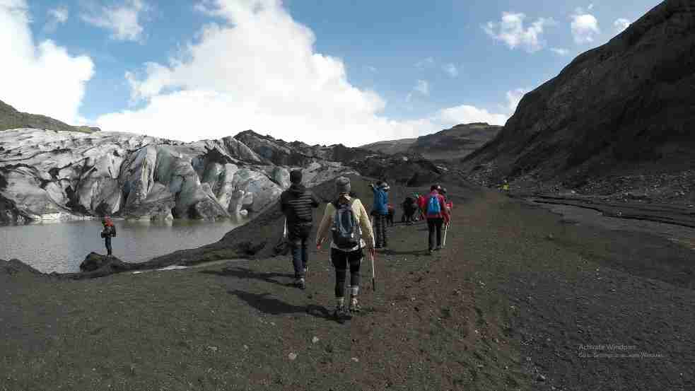 group glacier hiking in iceland
